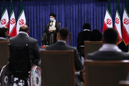 قهرمانان المپیک و پارالمپیک با رهبری دیدار کردند / تأکید رهبری بر برنامه ریزی برای بهبود رتبه ایران در المپیک